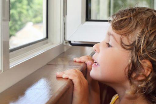 Викрили схему по закупівлі шкільних вікон